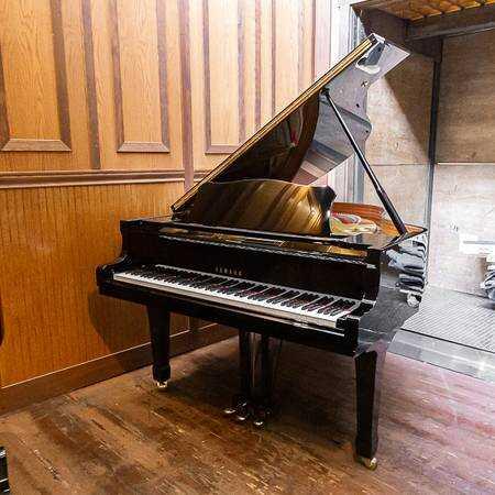 Yamaha G3 Grand Piano
