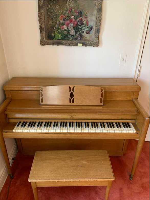 Beautiful Antique Sohmer Maple Piano