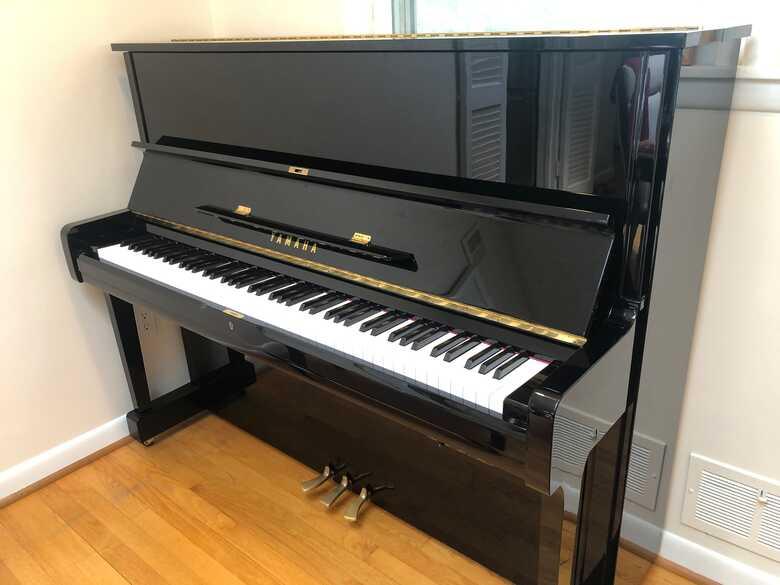 Yamaha upright piano beautiful