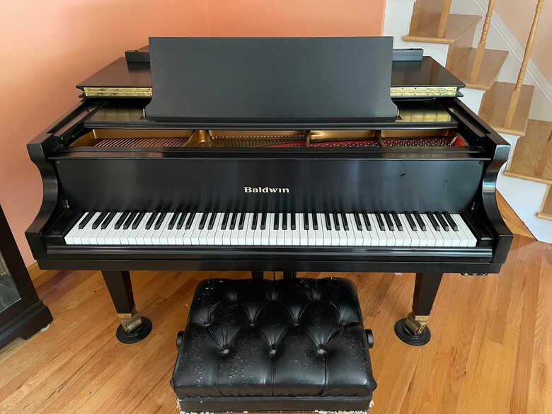 Baldwin R - Grand Piano