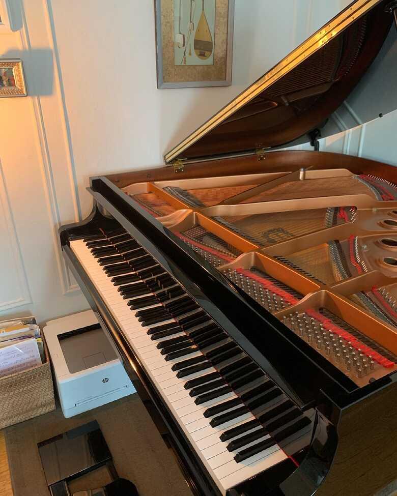 Yamaha baby grand piano GB1