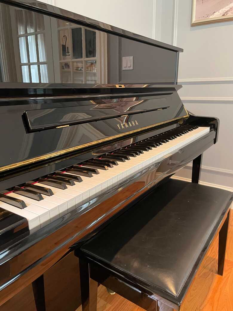 Yamaha U1 PE piano. Great condition, well maintained!