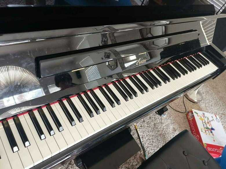 UP-126 PE Upright piano Designed by Steinway & Son