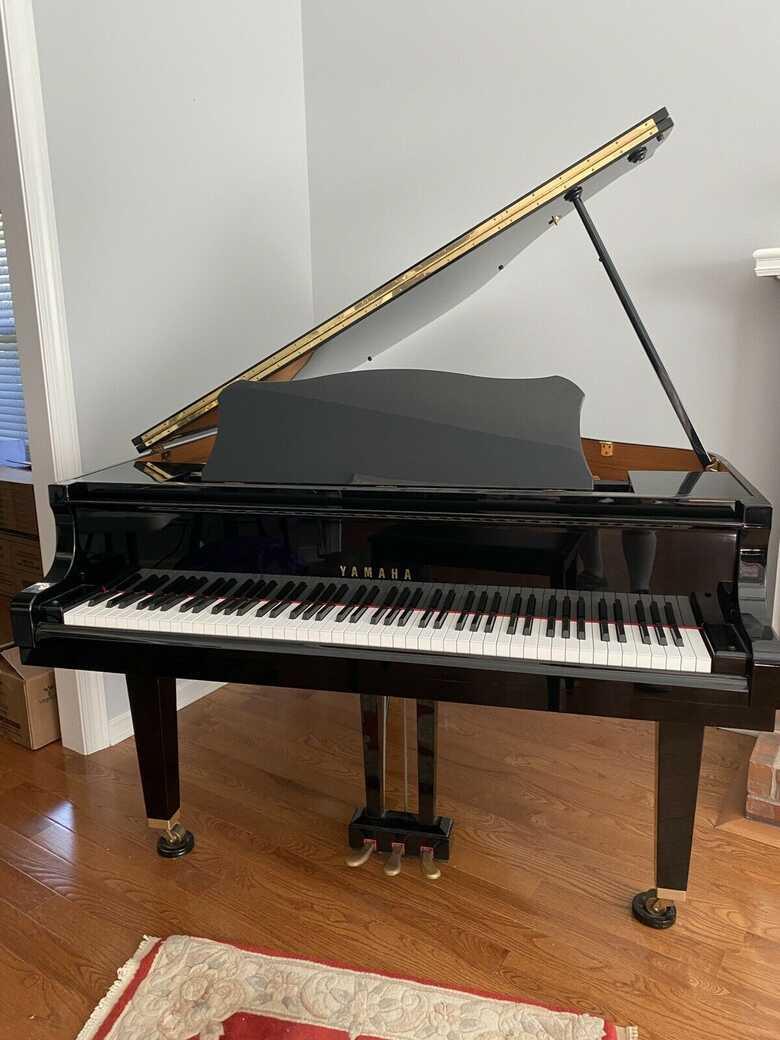 GP1 4'11 BABY GRAND  PIANO