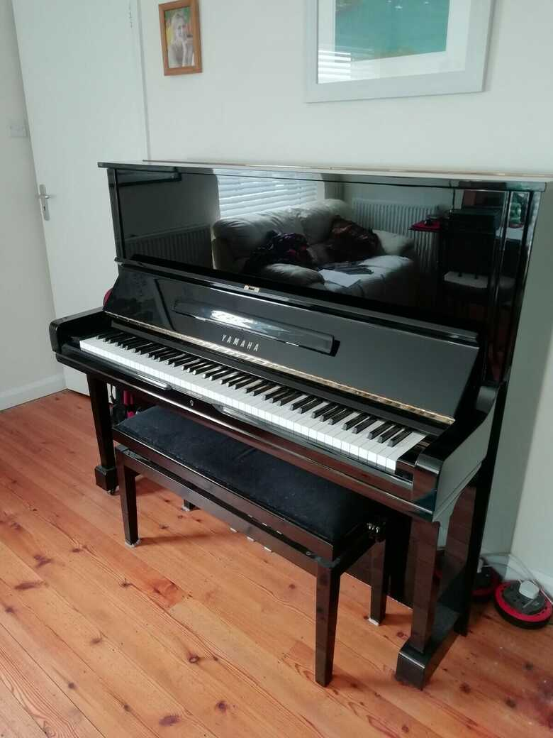Yamaha U3 H upright piano showroom excellent condition