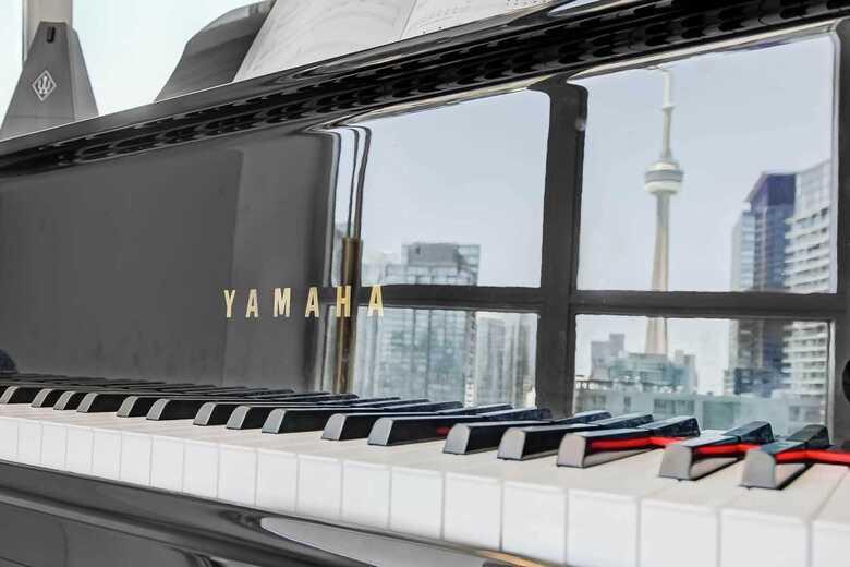 """Grand piano Yamaha GC1 5'3"""""""
