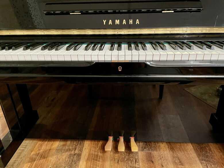UPRIGHT Yamaha U3 PIANO