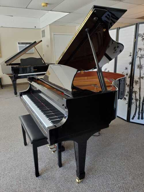 Essex By Steinway Ebony Gloss 2007 w/QRS Player Sys. (VIDEO)