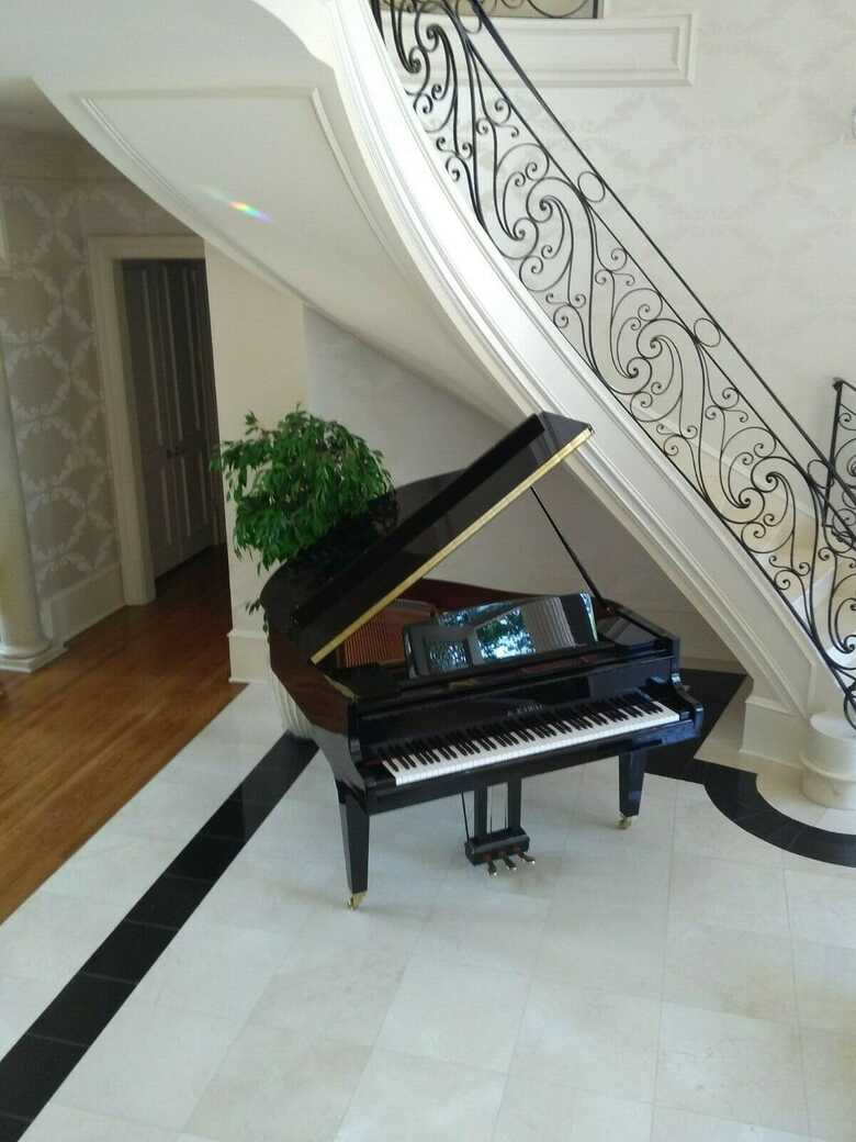 Brand new Terrific sounding German design grand piano & Yama