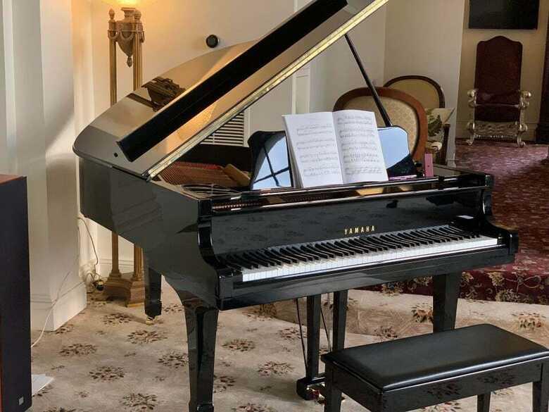 Yamaha grand piano C 3
