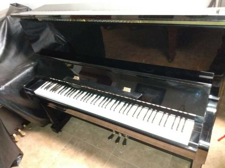 "Kawai semi professional 48"" Upright piano"