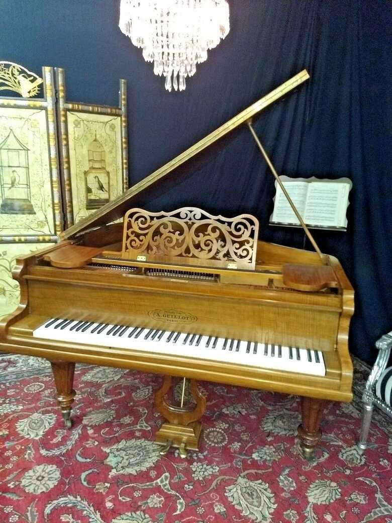 Beautiful art case 5' grand piano ( free shipping &Yamaha ke