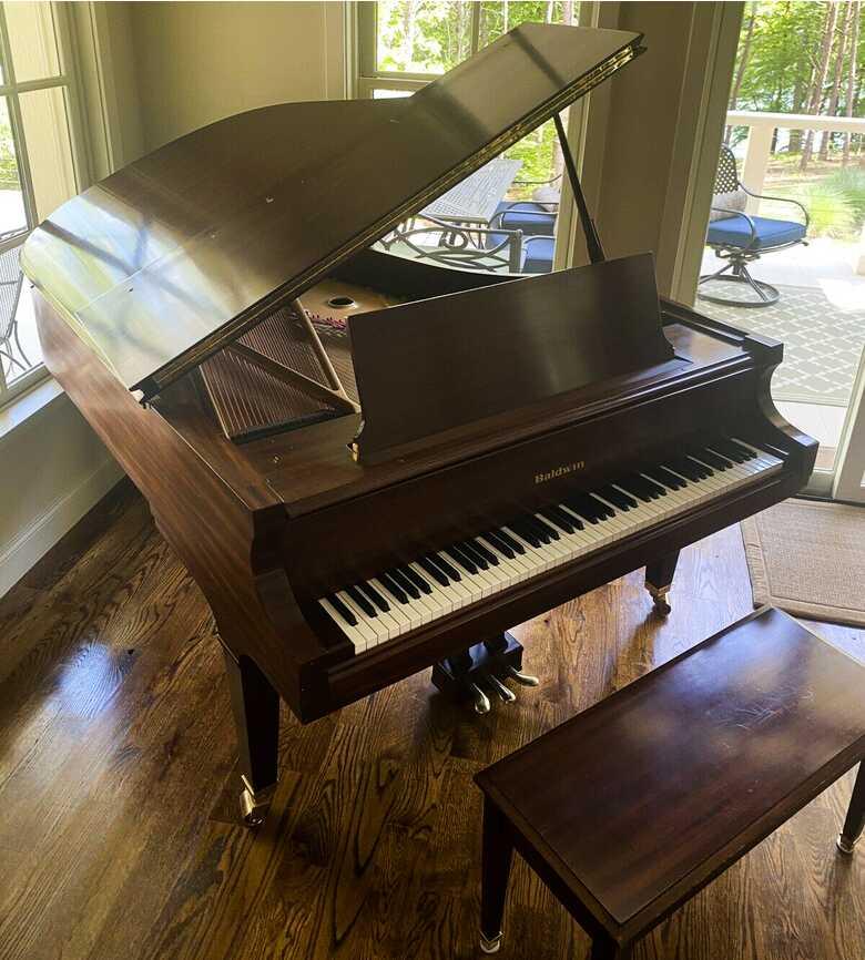Astonishing 1993 Baldwin Model L grand piano & Steinway benc