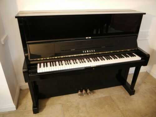 Lot of 5 Yamaha pianos for dealer , school ,or smart cookie