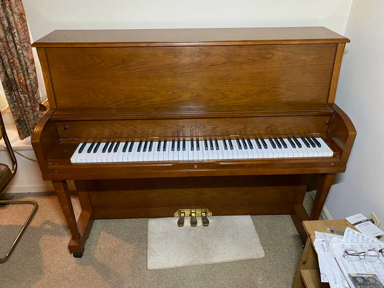 Beautiful Looking Piano with Lovely Tone